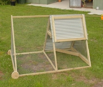A small & simple chicken tractor